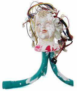 Vicky Neumann - 2017 - Cabeza de Bebé - Mixta sobre porcelana - 38x30x32cm